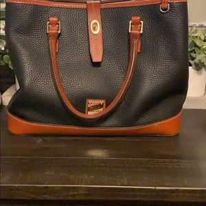Dooney and Bourke Perry 💥NEW PRICE!!!
